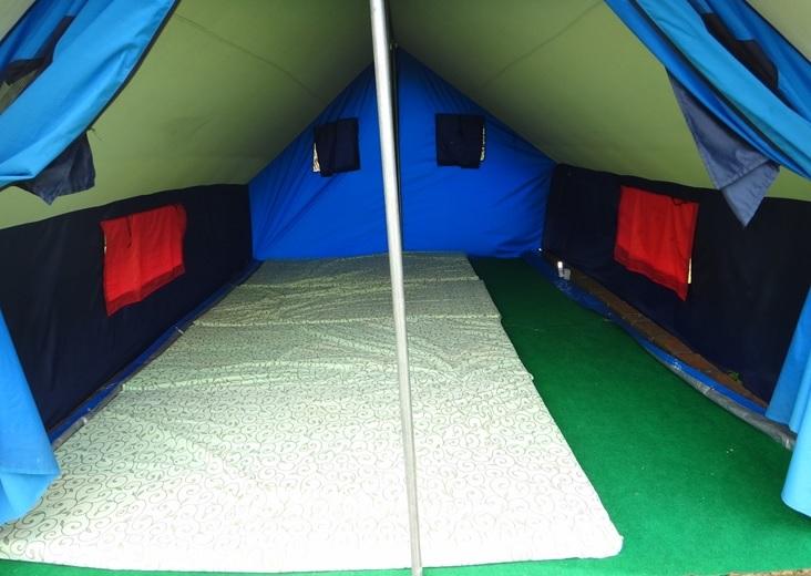 Dalam tenda-family camping