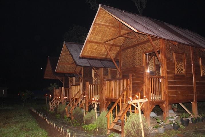 Pondok kayu-malam